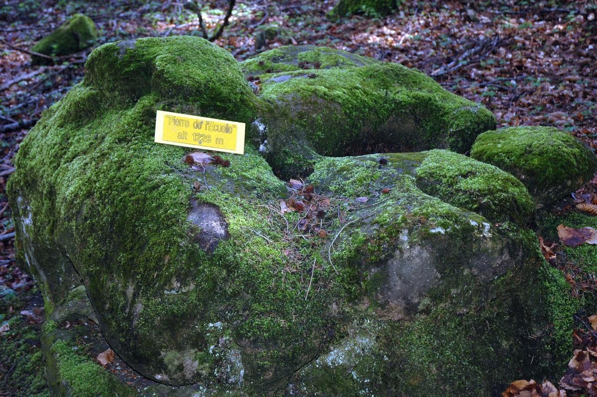 La pierre de l'ecuelle - non datées
